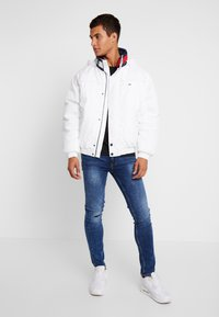 Tommy Jeans - BRANDED COLLAR JACKET - Winterjas - classic white - 1