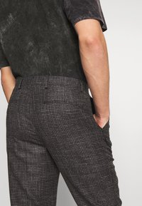 Shelby & Sons - ELDRED TROUSER - Pantaloni - charcoal - 3
