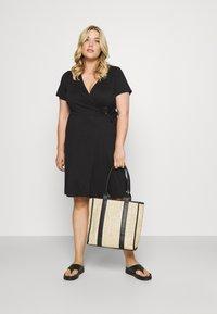Simply Be - ORING DRESS - Vestito di maglina - black - 1