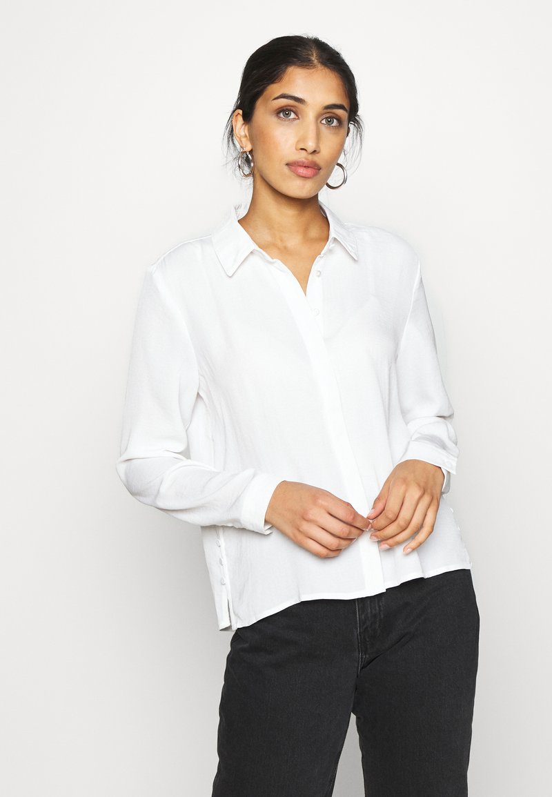 ONLY - ONLISABELLA - Button-down blouse - cloud dancer