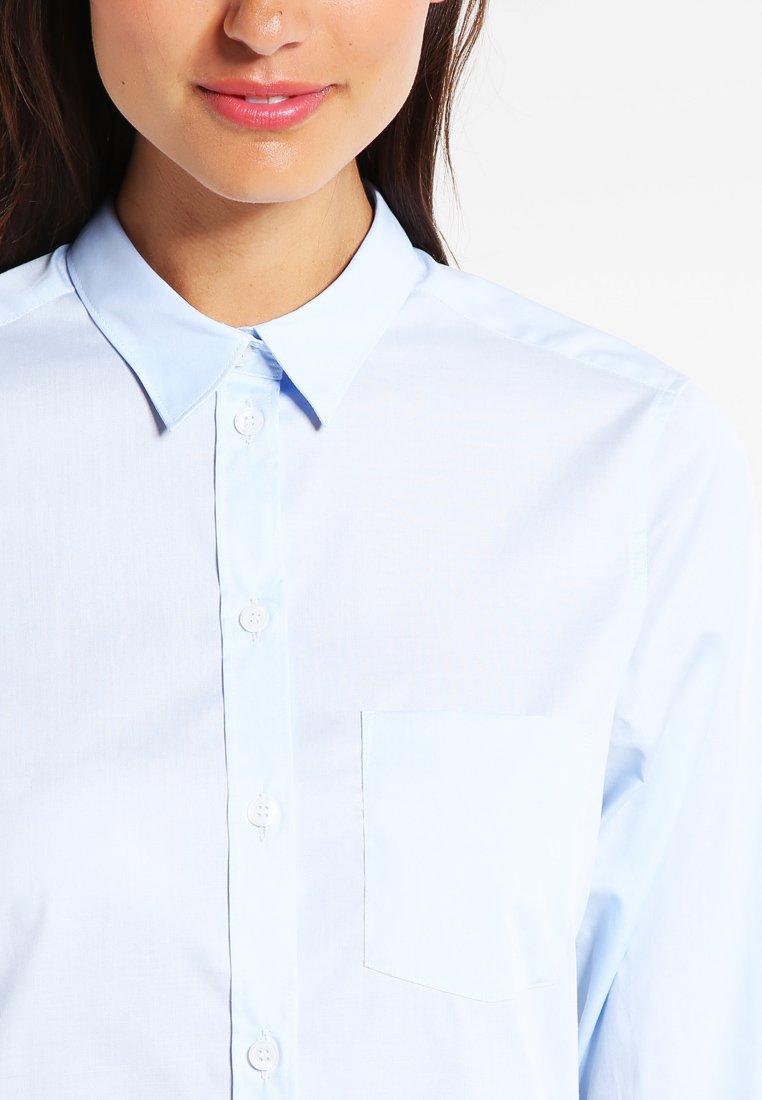 Women CLASSIC - Button-down blouse