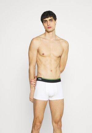 DAMIEN 3 PACK - Pants - white/black/green