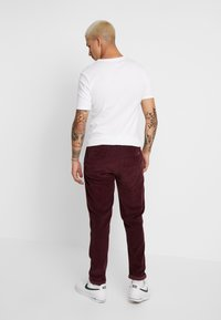 1904 - TAPERED - Trousers - red - 2