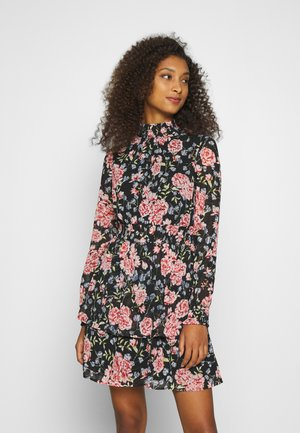 PCFLOWI SMOCK NECK DRESS KAC - Day dress - black/pink/blue