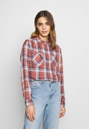 ONLVICE - Button-down blouse - burlwood
