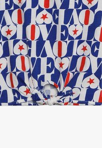 J.CREW - LOVE ALLOVER TIE FRONT  - Triko s potiskem - blue/red - 3