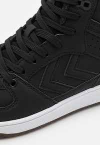 Hummel - ST POWER PLAY MID WINTER UNISEX - High-top trainers - black - 5