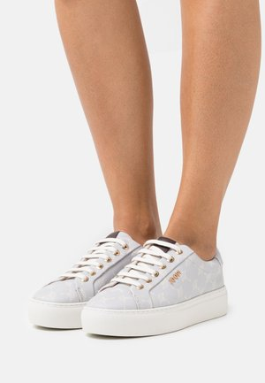 CORTINA DAPHNE - Trainers - lightblue