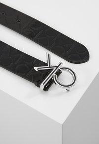 Calvin Klein - LOW FIX BELT - Pásek - black - 1