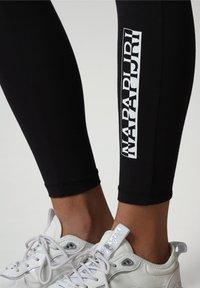 Napapijri - M-BOX LEGGINGS - Leggings - Trousers - black - 4