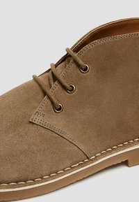 PULL&BEAR - Lace-ups - brown - 6