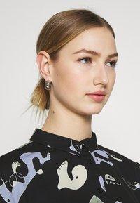 Monki - HELLA BLOUSE - Button-down blouse - black - 3