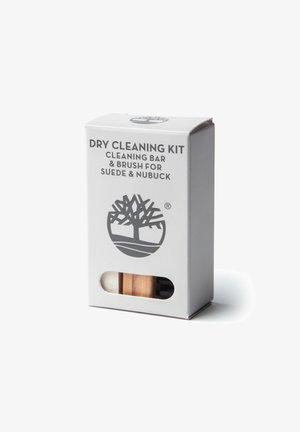 Produkty do pielęgnacji obuwia - grey