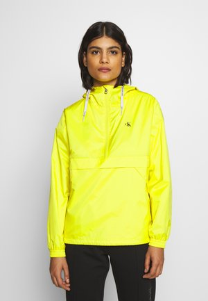 ESSENTIAL POP OVER - Windbreaker - solar yellow