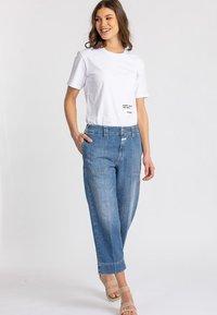 CLOSED - Straight leg jeans - blue - 0