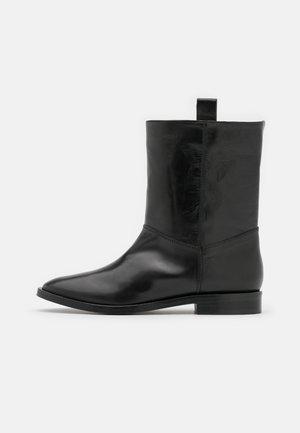 LORI - Kotníkové boty - black