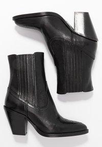 Polo Ralph Lauren - SMOOTH LOWREY - Cowboy/biker ankle boot - black - 3