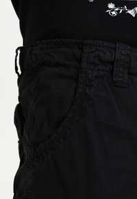 Alpha Industries - JET - Shorts - schwarz - 3