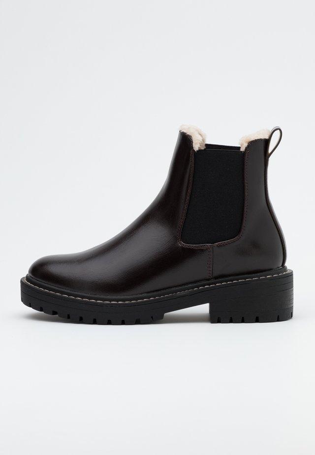 ONLBOLD CHELSA BOOTIE - Platform ankle boots - dark brown