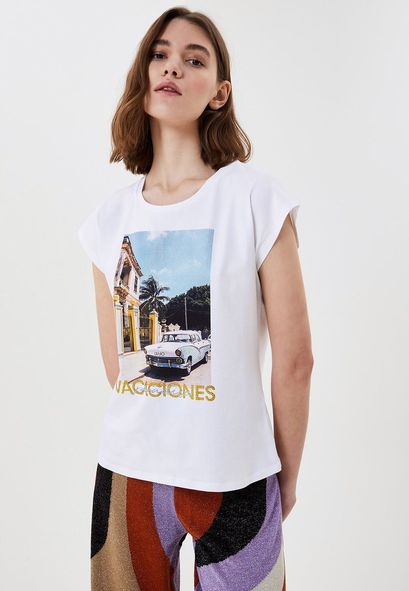 LIU JO - WITH PRINT AND APPLIQUÉS - Print T-shirt - white