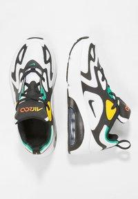 Nike Sportswear - NIKE AIR MAX 200 SCHUH FÜR JÜNGERE KINDER - Sneakers basse - white/black/bright crimson/university gold - 0