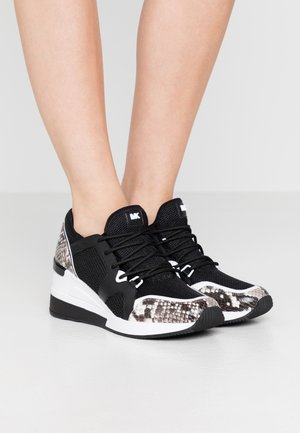 LIV TRAINER - Baskets basses - black