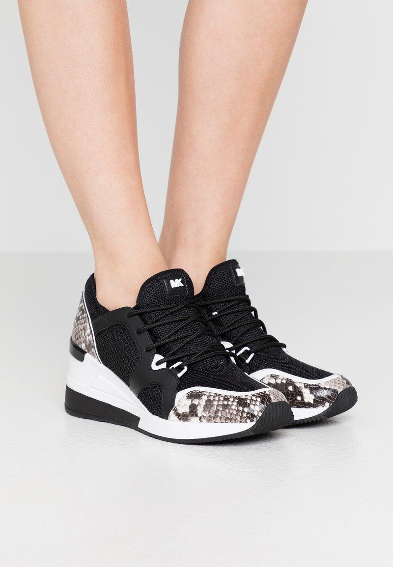 MICHAEL Michael Kors - LIV TRAINER - Sneaker low - black