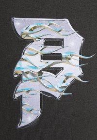 Primitive - DIRTY BLAZE - T-shirt med print - tar - 2