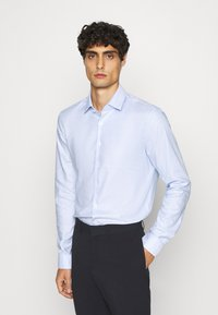 Calvin Klein Tailored - STRUCTURE EASY CARE SLIM - Formální košile - blue - 0
