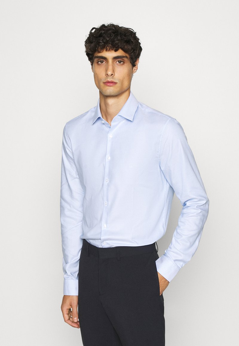 Calvin Klein Tailored - STRUCTURE EASY CARE SLIM - Formální košile - blue