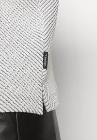 Calvin Klein - Jumper - white/black - 5