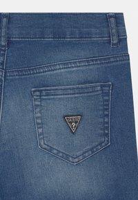 Guess - CORE JUNIOR - Denim shorts - super bright blue - 2