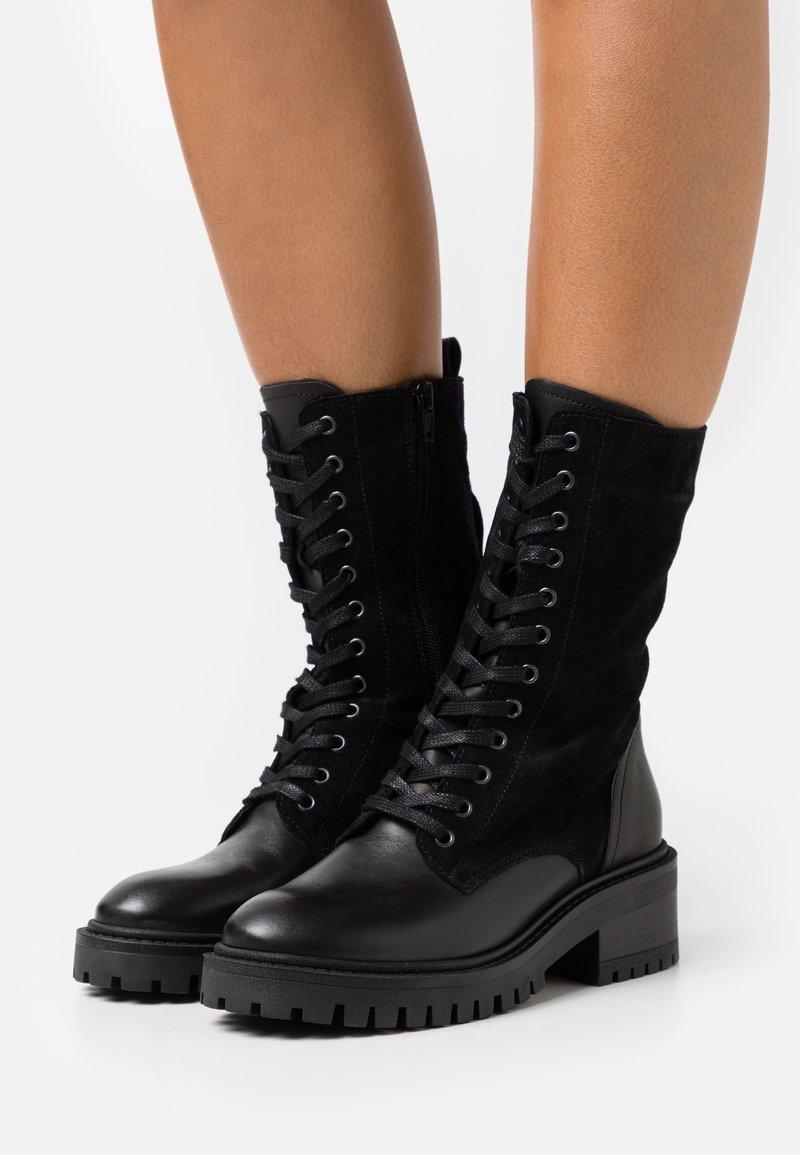 ZIGN Wide Fit - Bottes à lacets - black