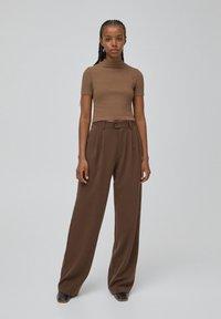 PULL&BEAR - Print T-shirt - dark brown - 1