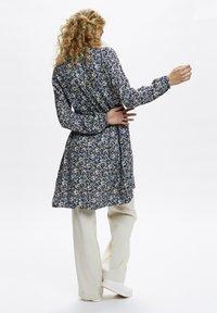 Denim Hunter - Day dress - total eclipse flora print - 2