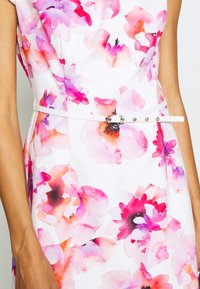 comma - KURZ - Day dress - white - 5