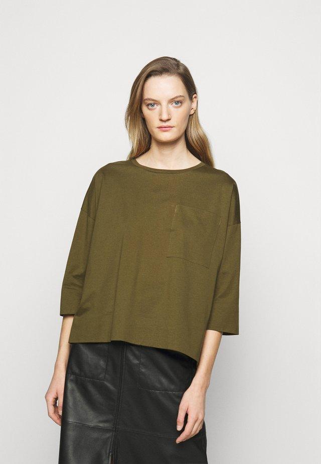 KAORI - T-shirt à manches longues - green