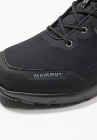 Mammut - ULTIMATE PRO MID GTX MEN - Outdoorschoenen - black - 5