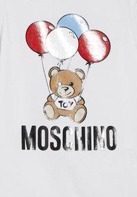 MOSCHINO - ROMPER HAT GIFT SET - Beanie - optical white - 3