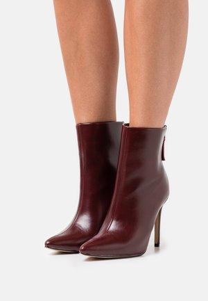BENTLEE - High heeled ankle boots - burgundy