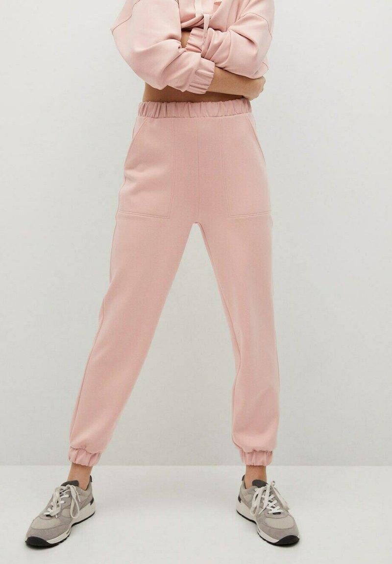 Mango - MONICA - Teplákové kalhoty - rose pastel