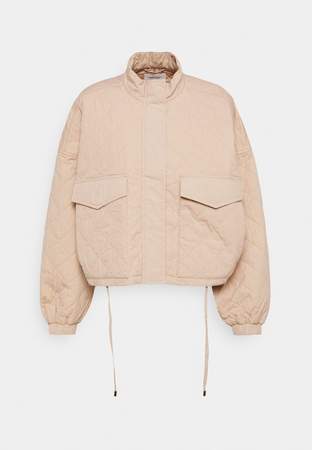 BOXY QUILTED JACKET - Light jacket - prairie