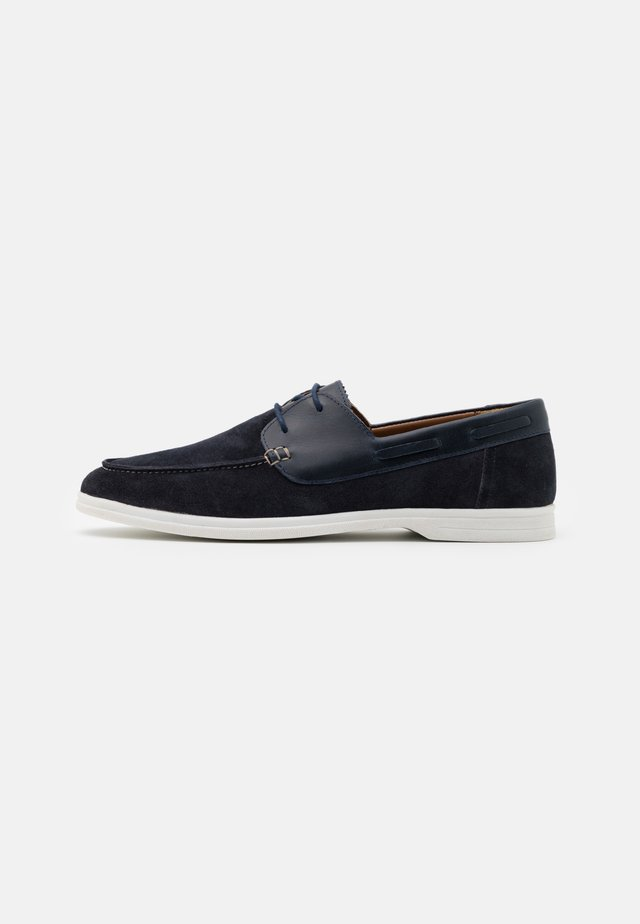 STREAM BOAT SHOE - Boat shoes - navy