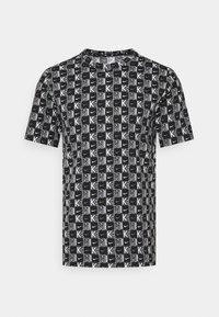 Nike Sportswear - TEE HIGHER - T-shirt med print - white/black - 0