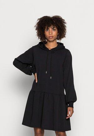KESHIA - Žerzejové šaty - black