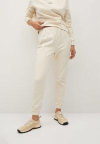 Mango - RIVY-I - Teplákové kalhoty - ecru - 0