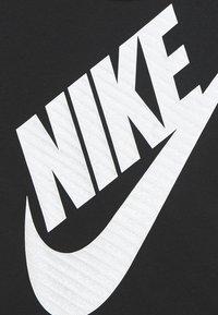 Nike Sportswear - GIRLS JUMBO FUTURA TEE - T-shirt print - black - 2