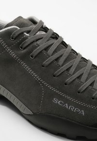 Scarpa - MOJITO GTX UNISEX - Hiking shoes - shark - 5