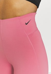 Nike Performance - SCULPT - Collants - desert berry/black - 5