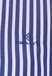 GANT - THE BROADCLOTH STRIPED - Button-down blouse - crisp blue - 2
